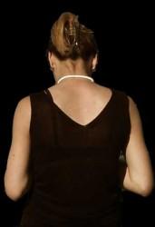 femme face au noir. par Benide